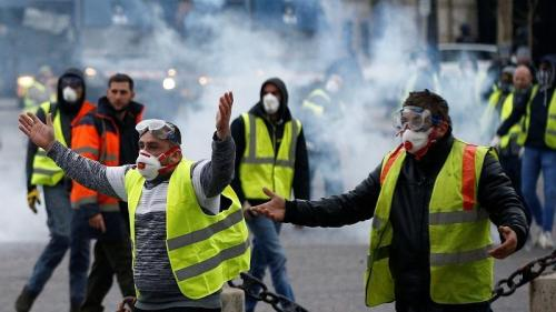yellow_vests